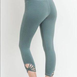 Mono B - Capri Workout Legging (Teal)
